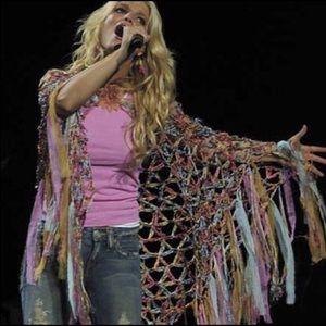 Cecilia de Bucourt Jessica Simpson shawl